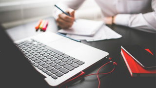 Professional Business Email Writing Skills for ESL Speakers